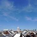 泰德美術館前的千禧橋