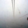 雲裡霧裡與另一台纜車交會