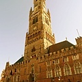 市集廣場旁邊的大鐘樓