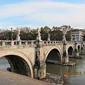 天使堡前的天使橋