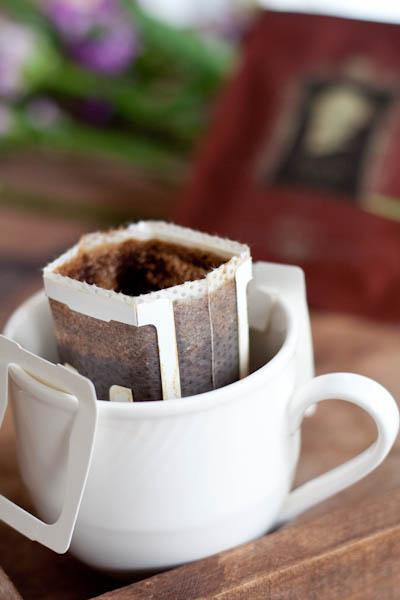 黃金曼特寧咖啡掛耳包情境-1.jpg