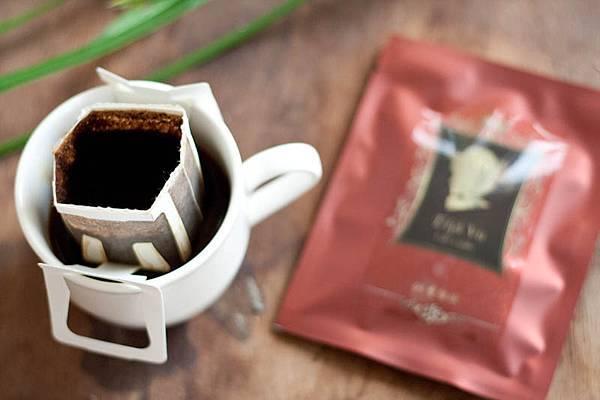 黃金曼特寧咖啡掛耳包情境-4.jpg