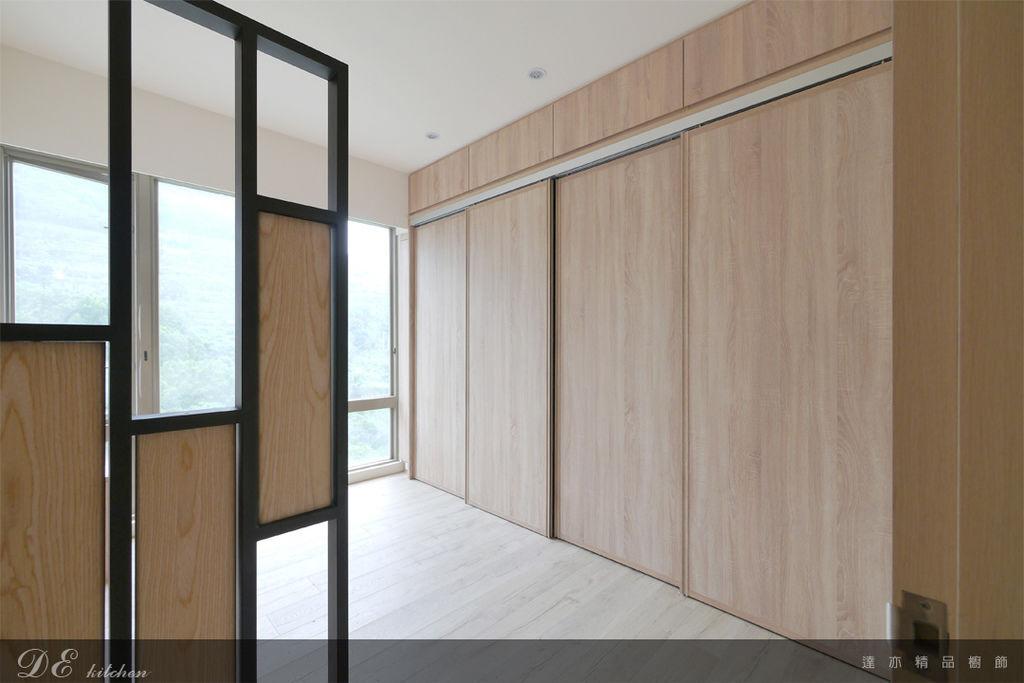 「系統家具 Furniture design 」台北市士林區 中山北路七段 主臥房 (1).jpg