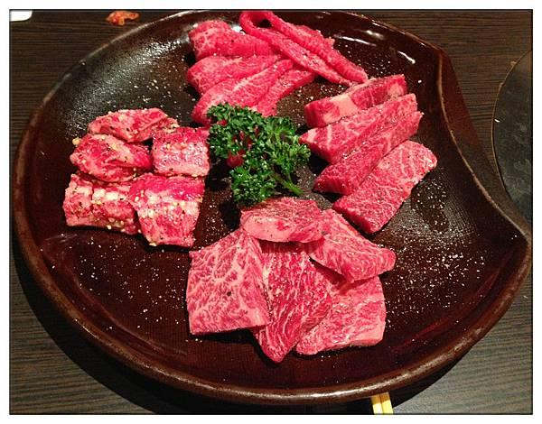 扇子肉340+牛肋條240+翼板肉(厚切380)+肩小排450