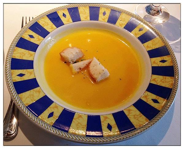 每日精選湯品-紅蘿蔔湯