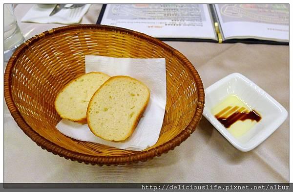 餐前麵包+油醋