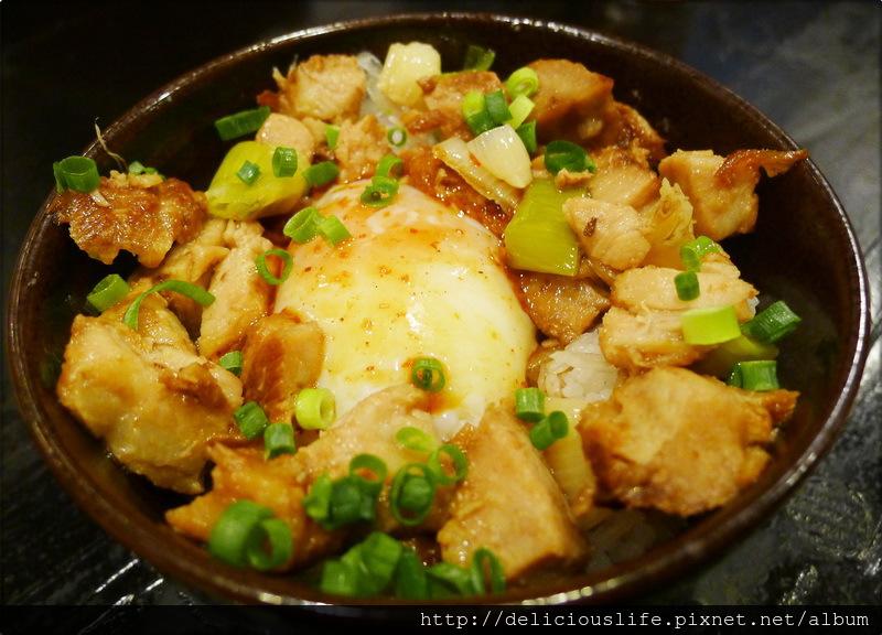 豚肉半熟玉子飯350日元