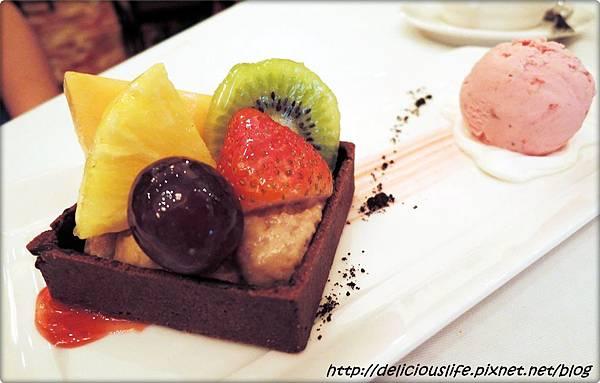 榛果水果脆餅&草莓冰淇淋