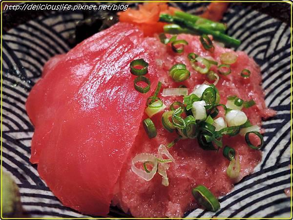 鮪魚雙色丼