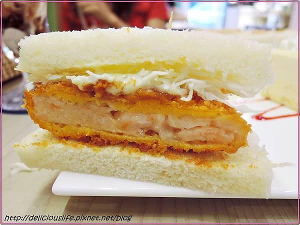 炸蝦排三明治1