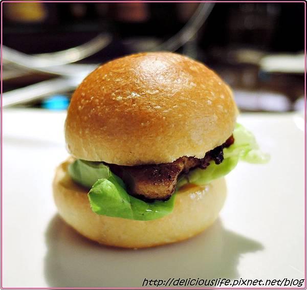 嫩煎A級鴨肝漢堡1