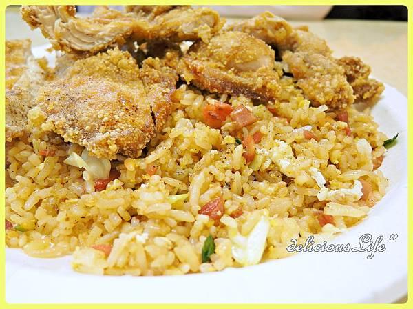 醬油炒飯+雞排2
