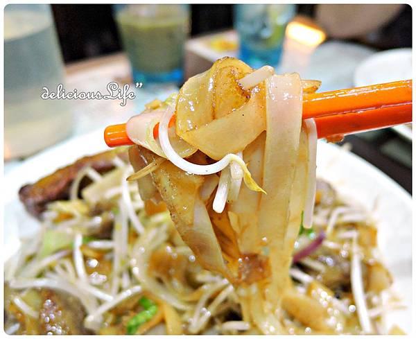 干炒牛河+雞扒2