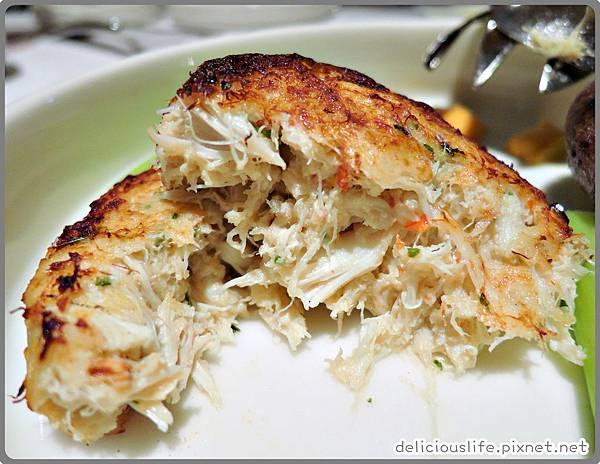 馬里蘭風味蟹肉餅佐香辣醬