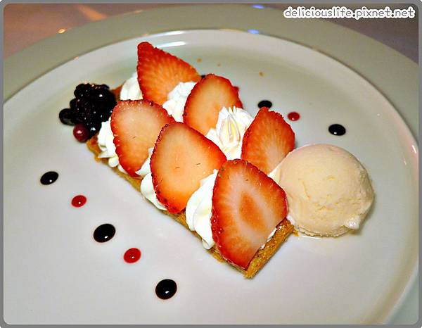 草莓千層派1