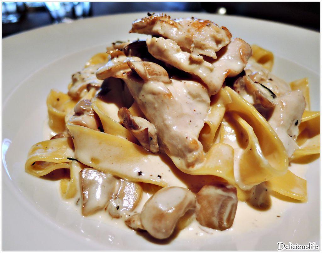 白醬奶油迷迭香雞肉義大利麵280-2