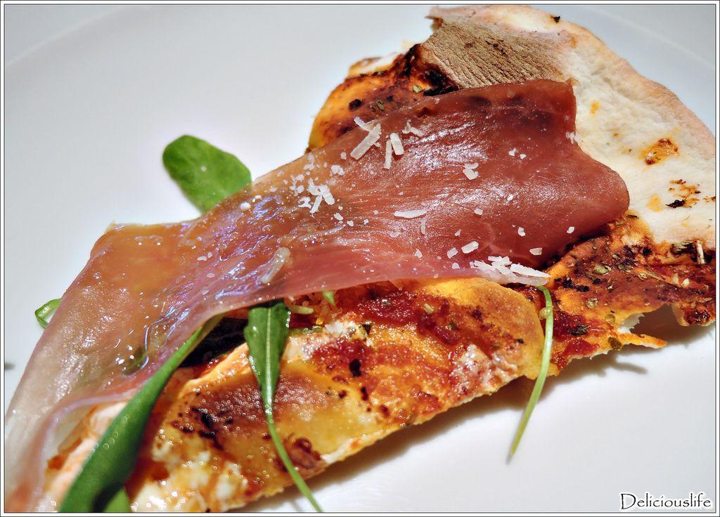 生火腿芝麻葉披薩560-3