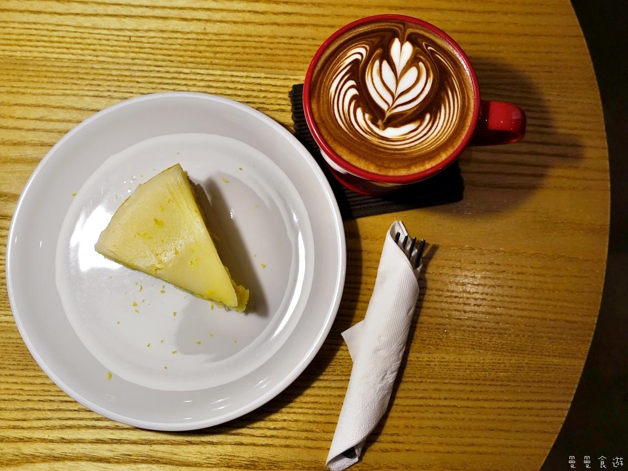 CafeLakuLaku-0