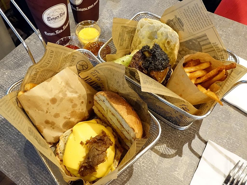 BurgerRay-0.JPG