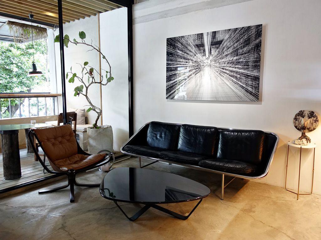 INFINITY.Yes Lounge-3.JPG