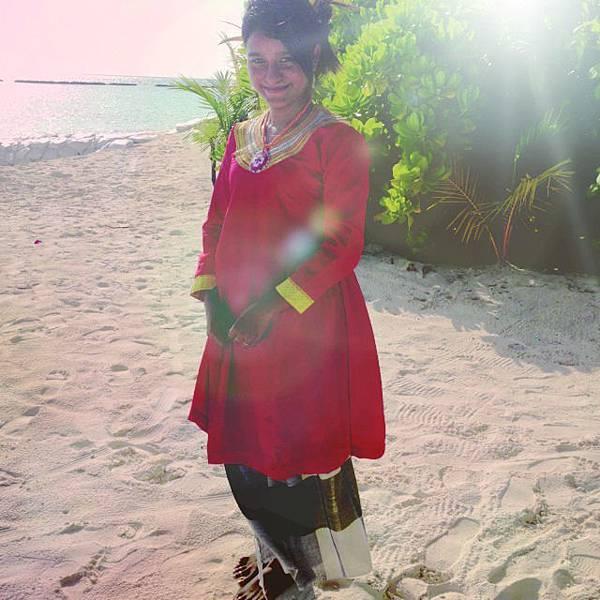 穿著傳統服飾的婦女