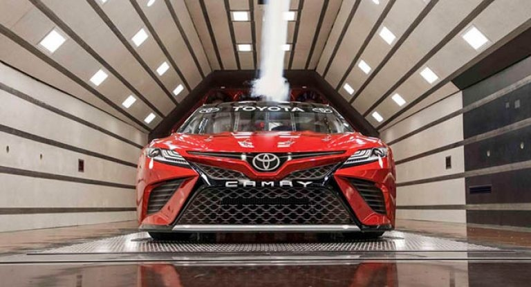2018-Toyota-Camry-Race-Car-Nascar-1-768x415.jpg
