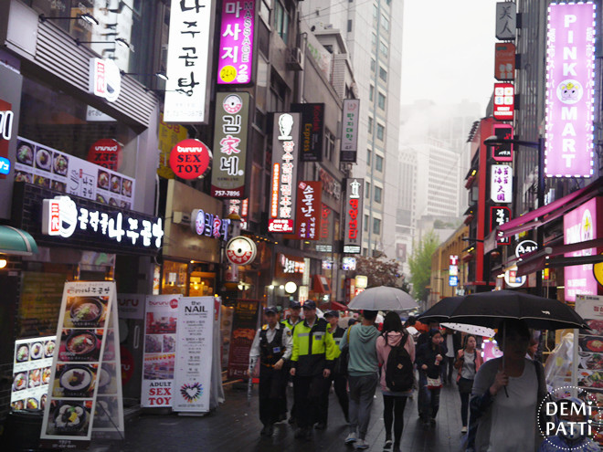 韓國明洞街頭 (4).jpg