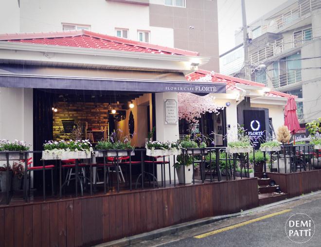 弘大 FLORTE Flower Cafe  (2).jpg