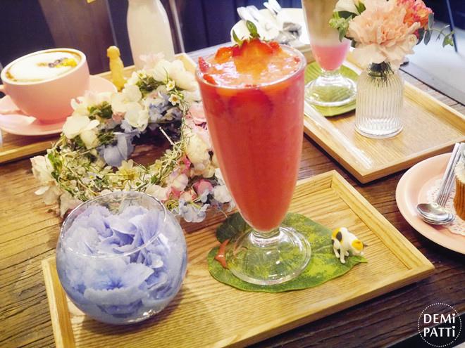 弘大 FLORTE Flower Cafe  (14).jpg