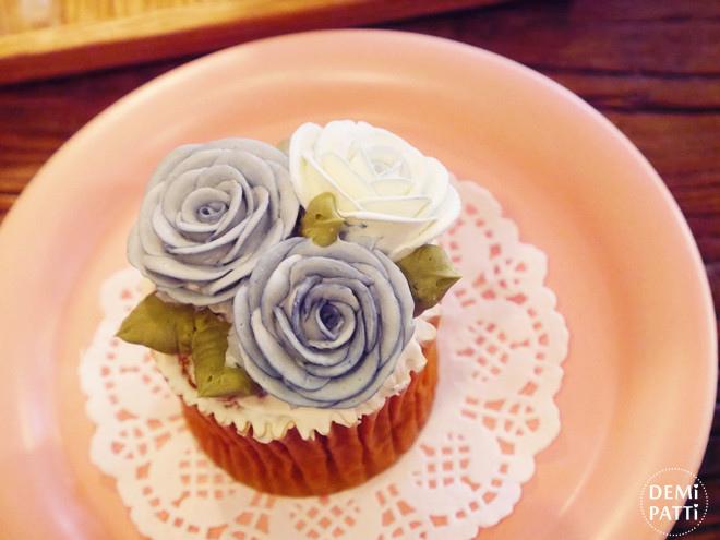 弘大 FLORTE Flower Cafe  (15).jpg