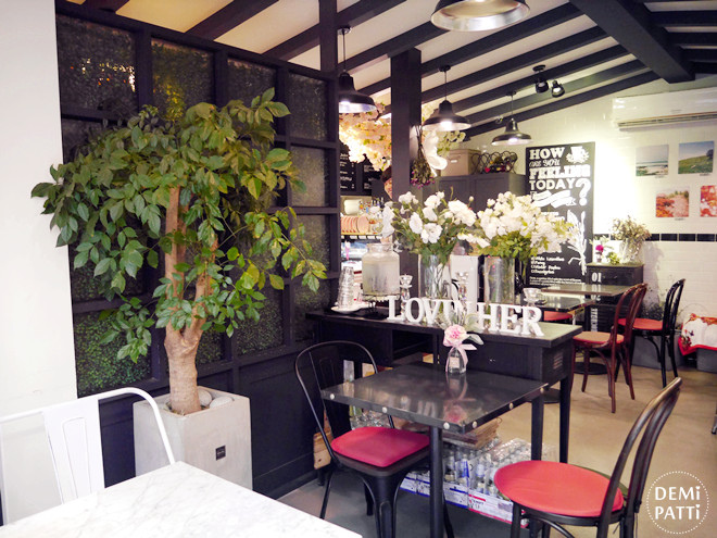 弘大 FLORTE Flower Cafe  (20).jpg
