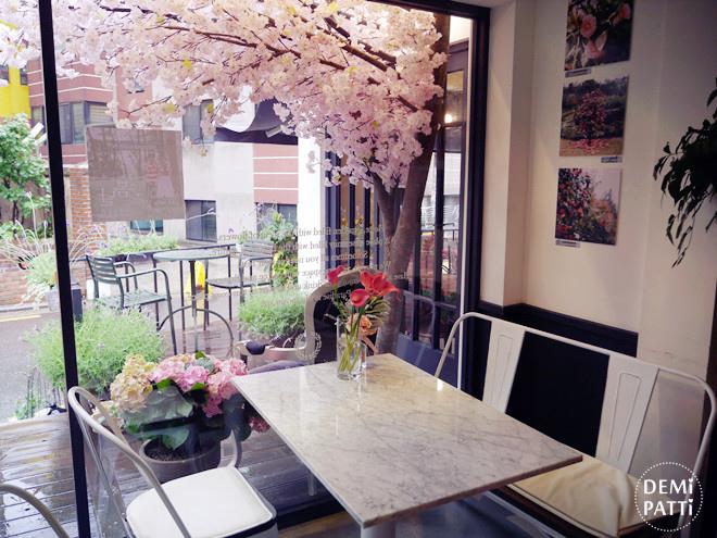 弘大 FLORTE Flower Cafe  (29).jpg