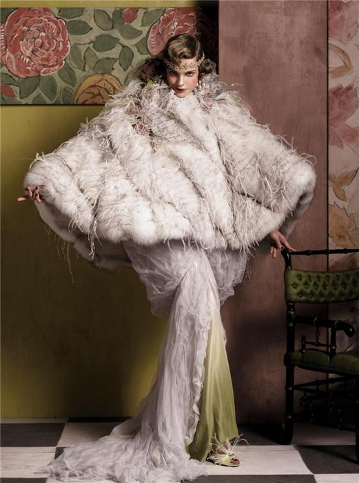 Natalia Vodianova by Steven Meisel (Fashioning The Century - Vogue US May 2007) 11.jpg
