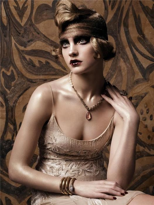 Natalia Vodianova by Steven Meisel (Fashioning The Century - Vogue US May 2007).jpg
