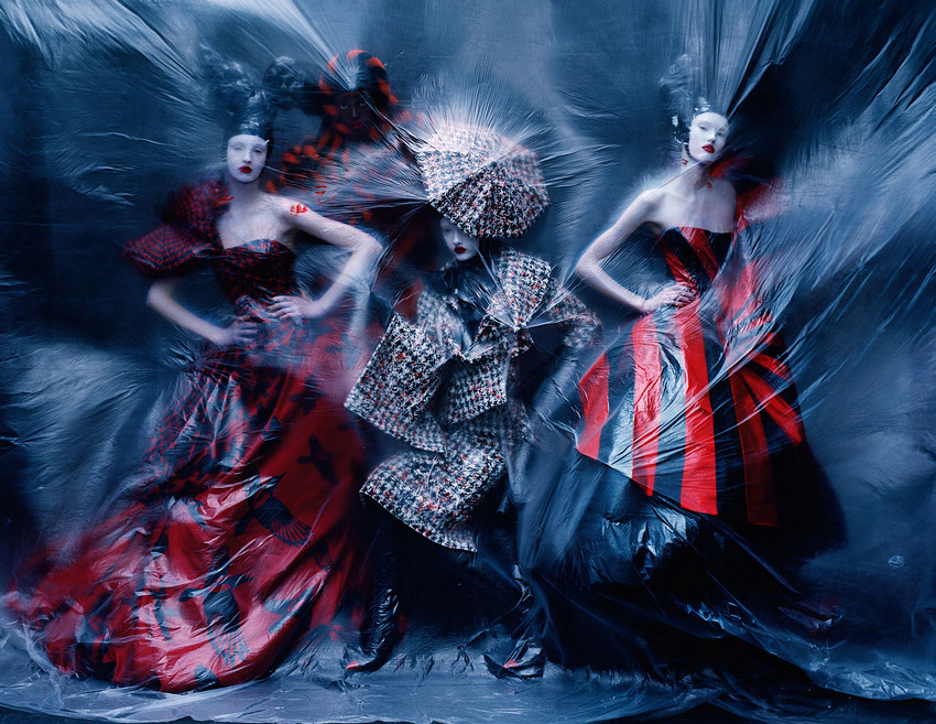 aya-jones-xiao-wen-ju-harleth-kuusik-yumi-lambert-nastya-sten-by-tim-walker-for-vogue-uk-march-2015-8.jpg