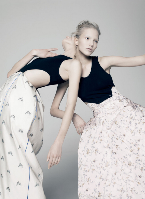 sasha-luss-daria-strokous-by-pierre-debusschere-for-v-magazine-94-spring-2015-2.jpg