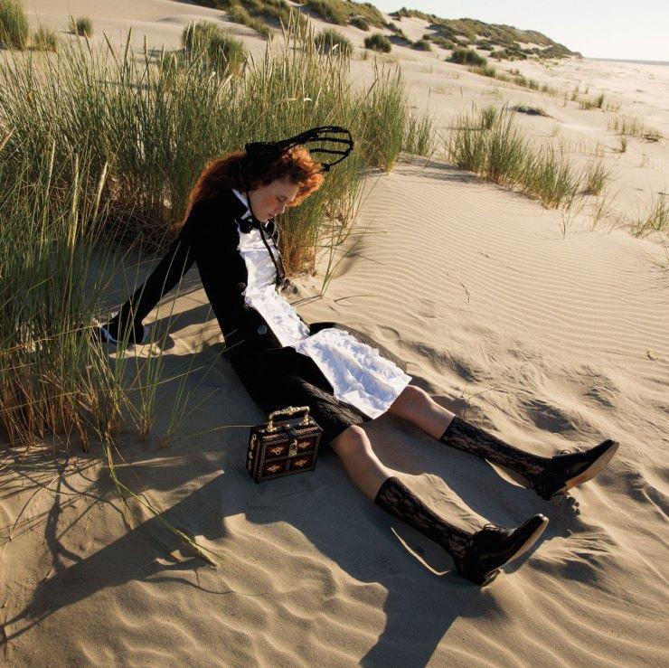 natalie-westling-by-inez-van-lamsweerde-vinoodh-matadin-for-w-magazine-september-2015-13.jpg
