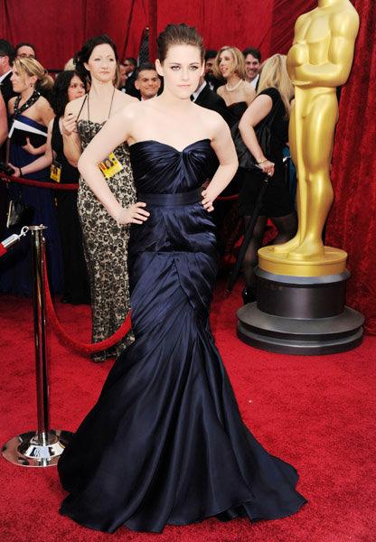 Kristen Stewart in Monique Lhuillier.jpg
