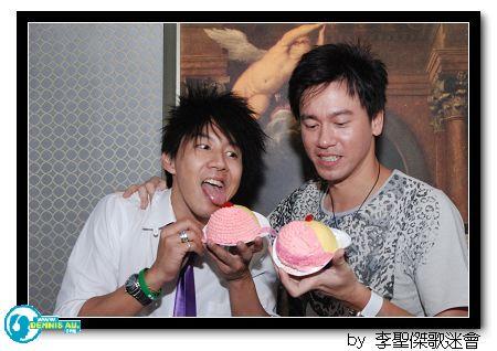 李聖傑粉v party 2009_04.jpg