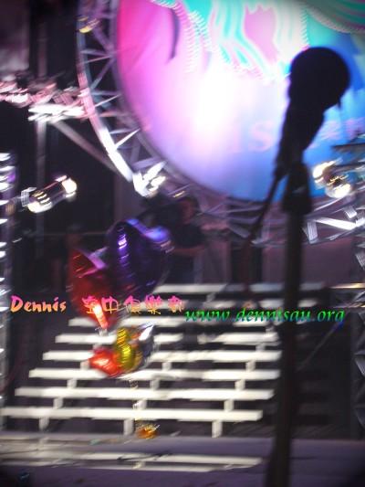 14演唱完最後一首,留下氣球[3]...A