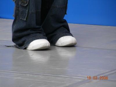 43.拍起Dennis穿的鞋,覺得這樣穿很可愛