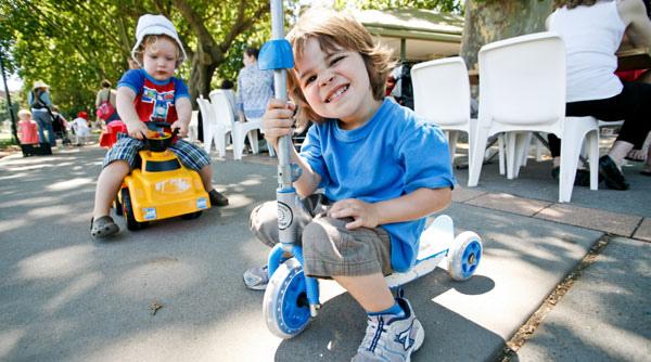large-kid-friendly-rushcutters-bay-kiosk-8.jpg