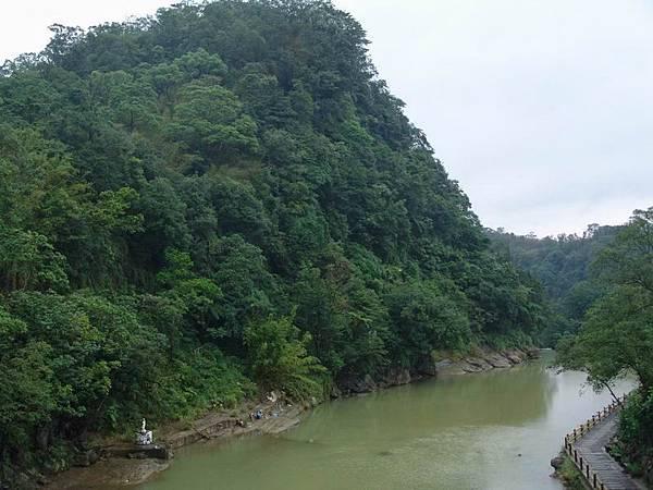 基隆河山水一景
