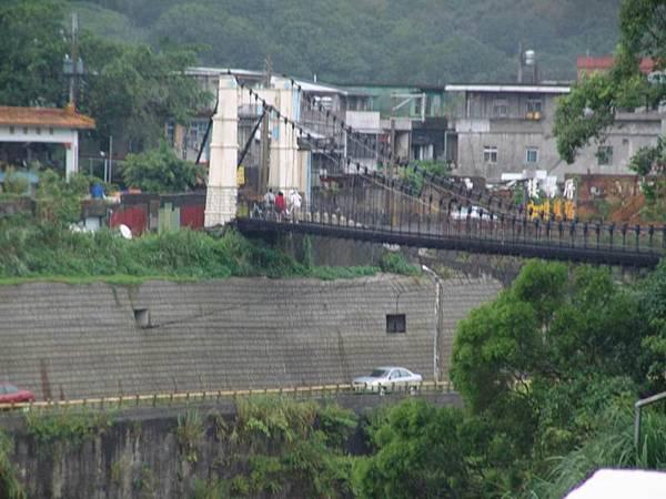 遠眺靜安吊橋