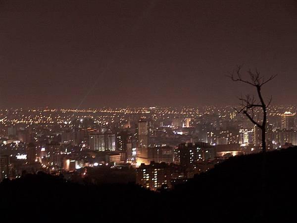 照最好看的虎頭山夜景