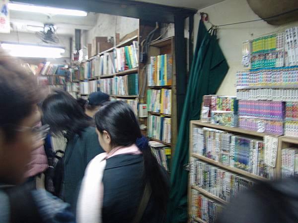 以後要再看到這些舊書攤的機會不多了