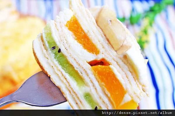 鮮果香堤千層蛋糕.jpg