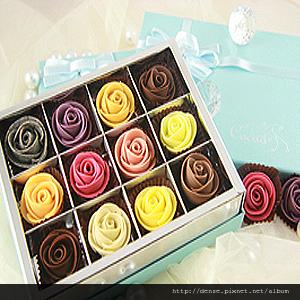12入藏愛玫瑰巧克力禮盒(01).jpg