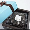 64%濃純黑巧克力豆禮盒.jpg