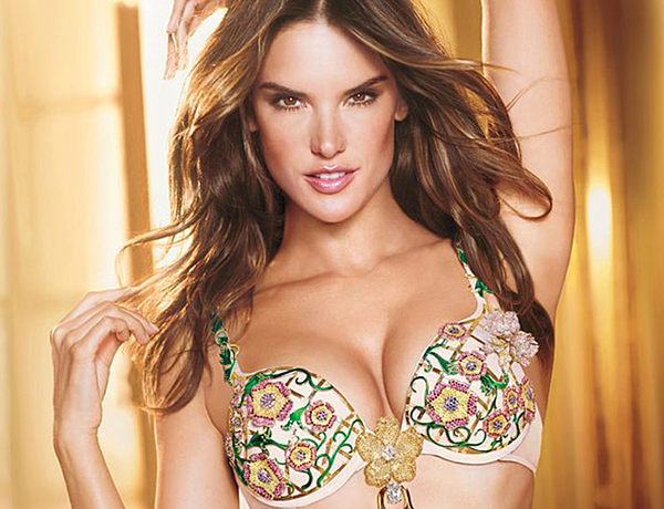 Copy of Alessandra-Ambrosio-Unveils-Victorias-Secret